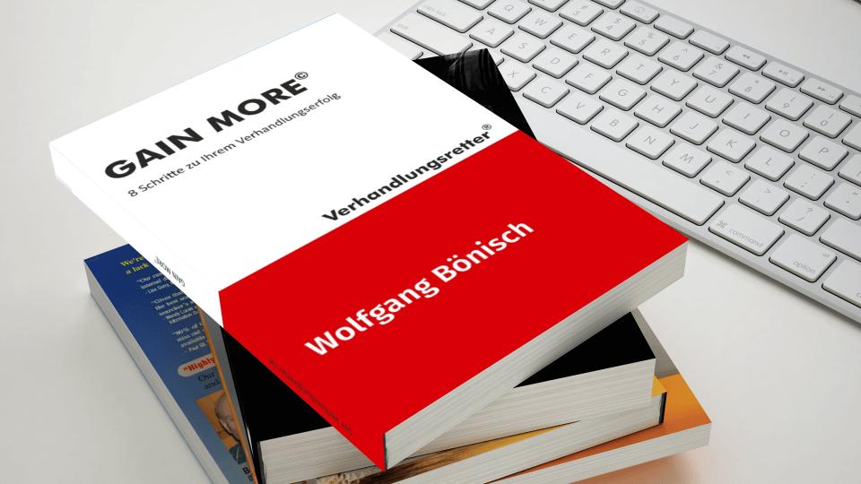 Gain More Buchstapel